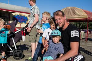 Simson Matsson kom med sönerna Liam och Melvin.
