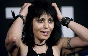 """""""Det är fortfarande många inom rocken som känner sig hotade av kvinnor med gitarr"""", säger Joan Jett i samband med hennes spelning på Sweden Rock Festival."""