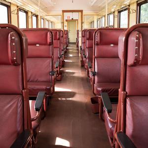 Interiör från en av veteranjärnvägens vagnar. Foto: Björn Dahlfors/dahlfors.com.