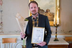 Patrik Lindström fick årets länspris för sin träningsmaskin för skidåkare.