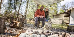 Jonas och Therese Landolsi driver ett vildmarksföretag i Riddarhyttan och märker hur allt fler får upp ögonen för ämnet.