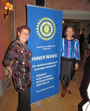 Sandviken IW:s president Margareta Karlsson och vice distriktspresident  Raija Leijon. Foto: Evelina Jigsäter