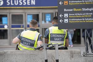 Ordningsvakter – ett nödvändigt steg i fel riktning?