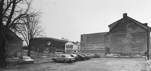 Bildtext 1982: Rivningarna i kvarteret Lorens började för 30 år sedan. Än i dag finns inga nya planer för kvarteret. Foto: Lasse Höglund/VLT:s arkiv