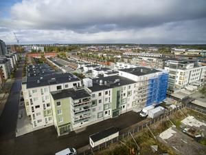 Bostadsrättsföreningen Strandkanalen på Gävle strand byggdes av HSB med PEAB som totalentreprenör mellan åren 2016 till 2018.
