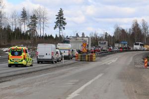 Olyckan orsakade långa köer på riksväg 50.