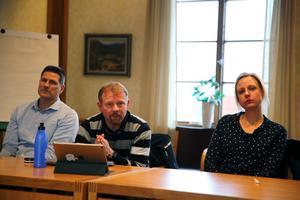 Säkerhetssamordnare Ola Abrahamsson, Mora kommun, kommunpolis Johan Hed och biträdande rektor Noretskolan Josephine Seveborg.