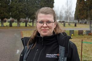 Sara Nilsson är kyrkogårdsföreståndare och vill  att Hedemoraborna skickar in gravbrev och berättelser om kulturhistoriskt intressanta personer som ligger begravda i kommunen.