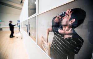 Dokumentära porträttfotografier är en bärande del av utställningen.