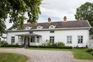 Stina och Pelle Strömberg bor i den gamla prästgården i Glanshammar.