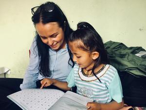 När Ida reser till Nepal besöker hon bland annat ett flickhem de driver nordost om Kathmandu.