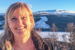 Förvaltningschef Anna Örjebo har svårt att kommentera ett förstatligande av skolan, eftersom hon inte vet vad förändringen skulle innebära i praktiken.