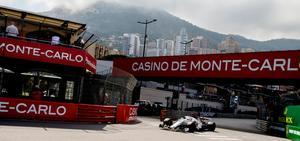 Marcus Ericsson på väg till kasinot.