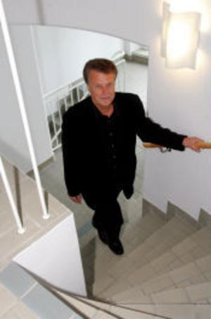 Platschefen Tomas Forsgren tror att Sundsvall klarar sig bättre än många andra ortern när Telia Sonerea skär ner.