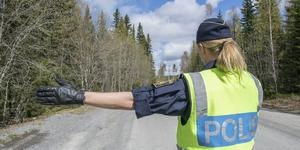 Polisen stoppade på lördagen en man som nu är misstänkt för rattfylleri. Fotograf: Lars Ljungmark/arkiv.