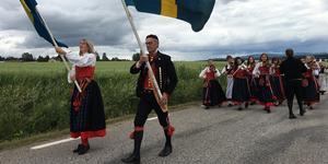 Delsbostämman marscherar mot Delsbo forngård