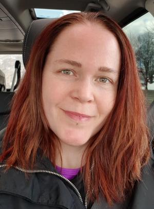 Malin Sunesson vägrade betala mer hos frisören där hon blev missnöjd. Hon gick till sin vanliga frisör och blev sedan nöjd med sin frisyr.Foto: Privat