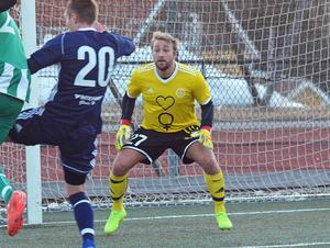 Färgstarke målvakten Mathias Svärd har hållit nollan i två raka matcher i Iggesunds starka – inte minst defensivt –  inledning på seriespelet i trean.