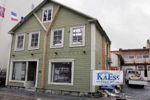 Om allt går enligt planerna finns en butik i huset i februari 2014.