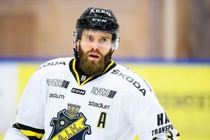 Johan Larsson har gjort sju mål och tre assist på 17 matcher. Foto: Bildbyrån.