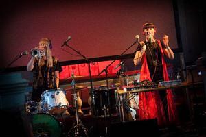 När Amanda Lindgren spelar trumpet och Sabina Wärme sjunger går musiken rakt in i kroppen som en känslobomb.