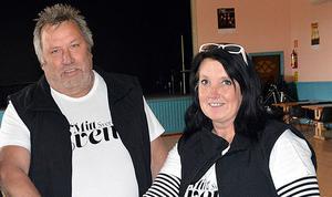 Kenneth och Britt-Marie Östman var de som genom sitt företag Mittsverige event arrangerade dansen i Erikslund.