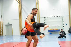 Det blev en ojämn brottningsmatch mellan gladiatorn Peter Bláha och Rasmus Pålsson, Delsbo.