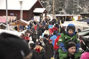 Norra bergets julmarknad lockar många besökare.