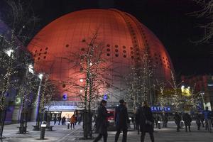 Bland annat Globen är orangefärgad under FN-aktionen 16 dagar mot kvinnovåld.