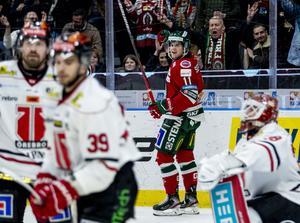 Samuel Fagemo satte 2–0 för Frölunda som besegrade Örebro med 5–3. Bild: Adam Ihse/TT