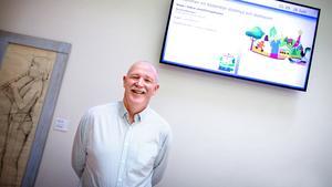 Södertälje kommuns nya digitaliseringsstrateg Tony McCarricks uppdrag är att ta fram en strategi  för digitaliseringen.
