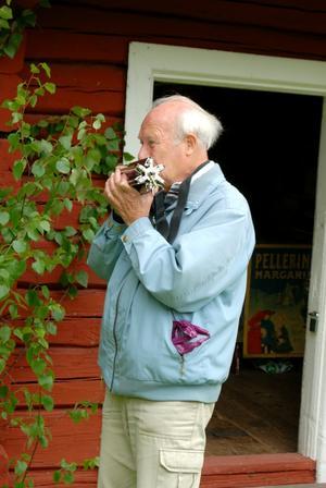 Bernt Andersson spelade på inte mindre än sex stycken munspel. Foto: Lina Svalbro