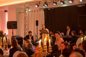 Sångerskan Maria Aboalahad, född i Syrien.