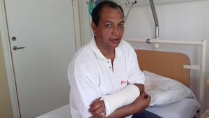 Munir bröt armen strax innan han skulle lämna Sverige. Den är ännu inte ordentligt läkt Foto: privat