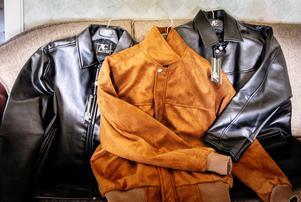 2015 skrev Helahälsingland.se om en man som köpt tre jackor som påstods vara exklusiva skinnjackor. Jackorna visade sig senare vara gjorda i polyester. Foto: Olle Nordquist