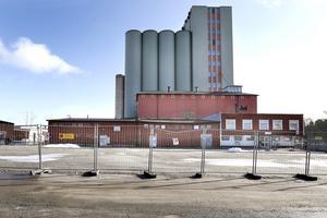 I februari 2015 har en del börjat rivas närmast Roslagsgatan där Hamnhus 1 nu står redo för de första invånarna.