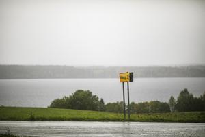 Regnet öste ned när jag svängde upp mot Kalkberget.