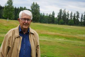 Någon gång kanske det blir av även för Ulf Anagrius att ge sig i kast med golfspelandet som pågår utanför herrgårdsknutarna.