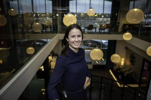 Helena Lundqvist har 15 års erfarenhet inom rekryteringsbranschen, men nu får hon göra det på sitt eget speciella vis där de mjuka värdena går först. Foto: Bengt Pettersson