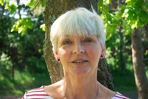 """FORSKARE. Annemi Skerfving forskar om barn till psykiskt sjuka föräldrar. När hon för några år sedan började undersöka vad dessa barn får för hjälp, upptäckte hon att de sällan fick någon. Därför skrev hon boken """"Att synliggöra de osynliga barnen""""."""