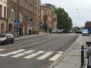 Polis kallades till platsen för det blodiga överfallet.
