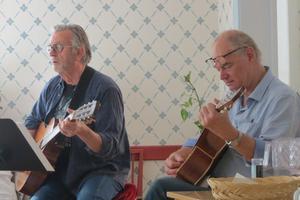 Trubadurerna i full aktion. Lasse Haeggström och Lennart Clerwall. Foto: Max Möllerfält