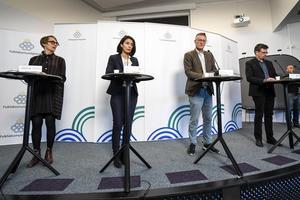 Annika Sundén, analyschef på Arbetsförmedlingen, Taha Alexandersson, Socialstyrelsen, statsepidemiolog Anders Tegnel och Svante Werger, MSB. Bild: Ali Lorestani/TT
