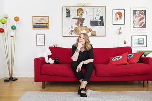 Åsa Linderborg, historiker, författare ochkulturskribent, numera senior reporter på Aftonbladet, fotograferad i sitt hem i Stockholm.Foto: Emma-Sofia Olsson / SvD / TT