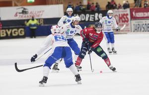 Ett mål och en assist från Tuomas Määttä som fortsätter vara en jätte för sitt Edsbyn.