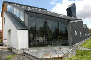 I kommunhuset i Hällefors har frågan om en framtida simhall diskuterats vid flera tillfällen. FOTO: Birgitta Skoglund