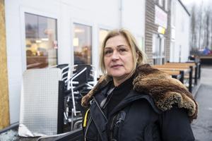 Jelena Zivkovic har beslutat sig för att sälja den klassiska krogen Porten kök och bar.