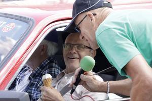 Noraåkaren Kjell Carlsson med Ove Lindberg som kartläsare är svensk mästare i bilorientering.