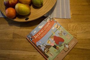 Barnens utebok var Falubon Karin Runessons första bok. Nu skriver hon på två till.