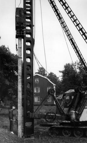 1965 togs beslut att en ny bro skulle byggas. Planerna fanns med i